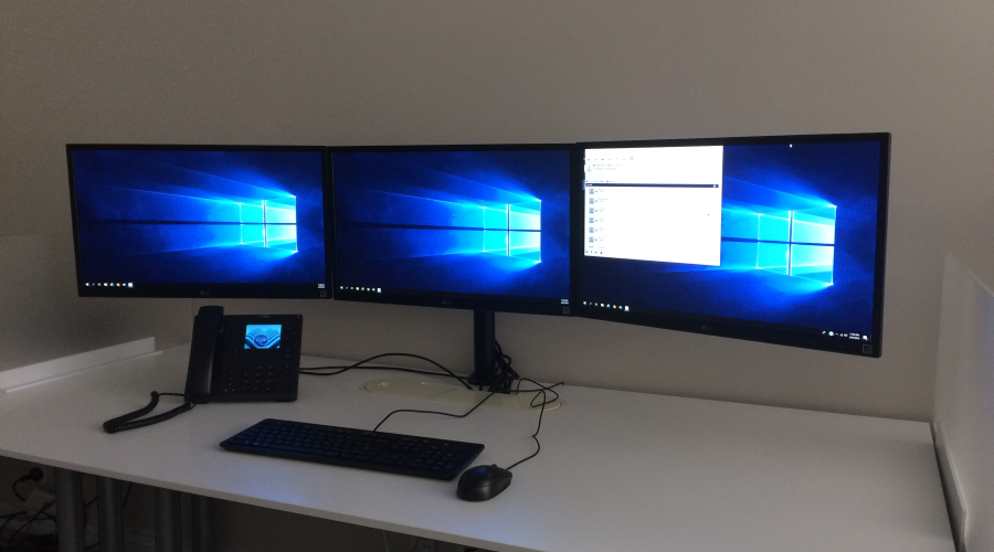 Triple monitor mounts